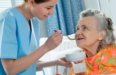 Confecção de refeições e apoio na alimentação